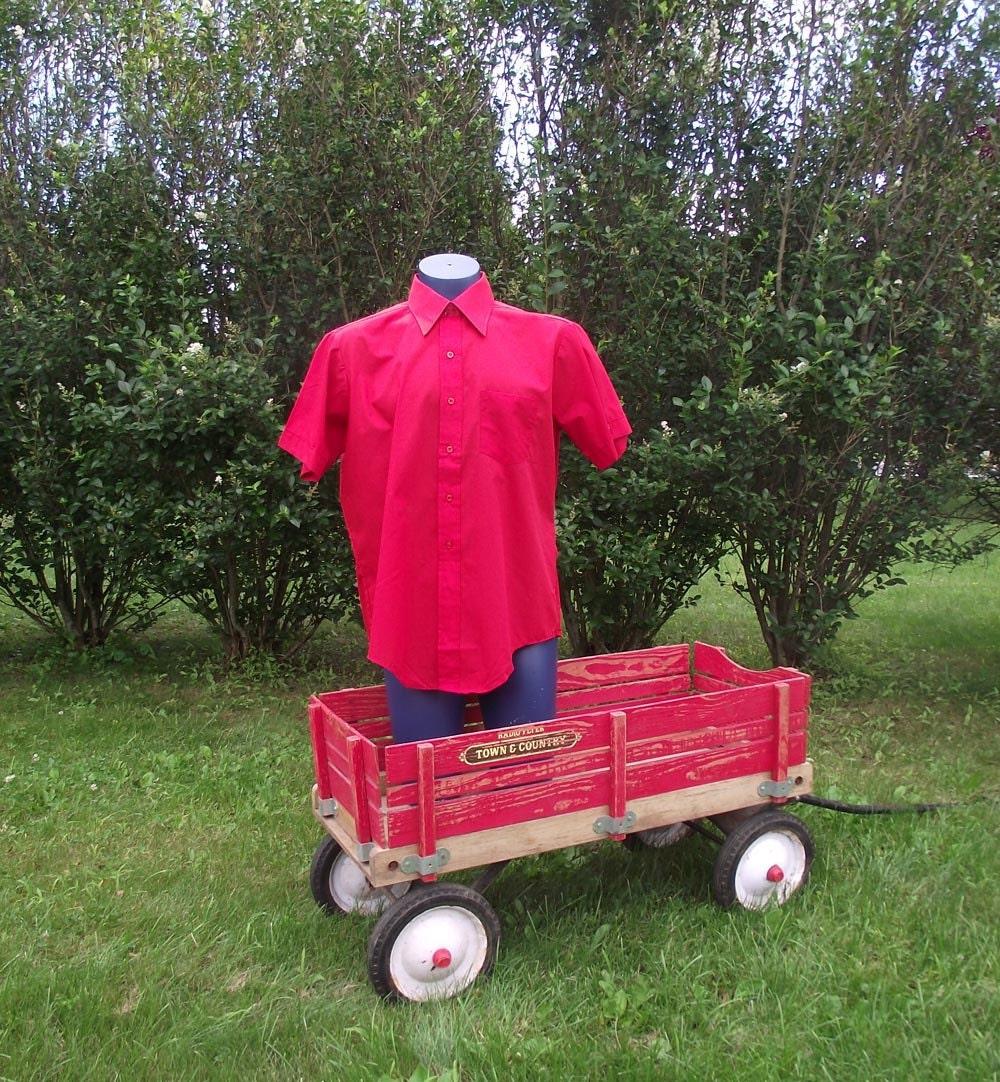 Vintage 60s Mens Shirt. Bold Red. Deadstock. Darwin. Sz M to Sz L Sz 16.5