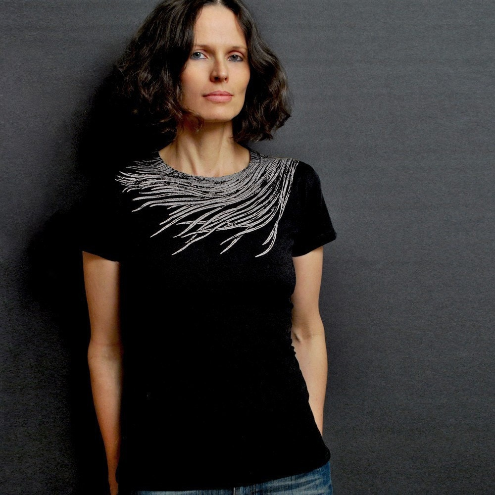 Black Crew Neck T-shirt - Silver Feather