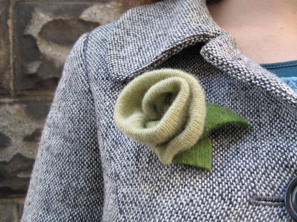 Green  Felted Rose Brooch Pin