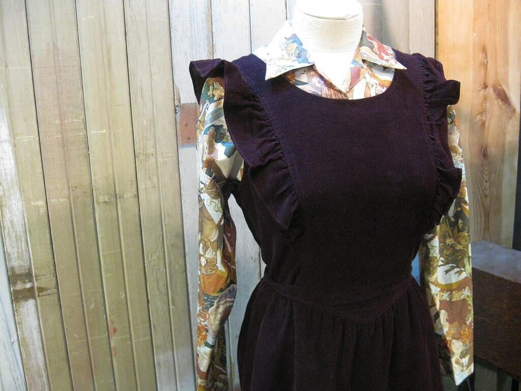Vintage Purple Wine 1970s dress Corduroy Ruffles sundress M