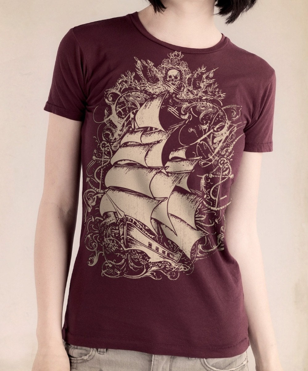 Ship Print Women's Short Sleeve Basic Crew T-shirt Bordeaux - ($22)