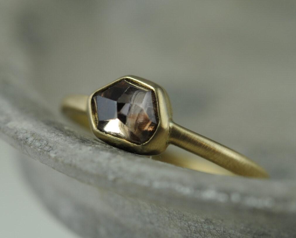 Rose cut diamond bezel ring - 18K gold - engagement