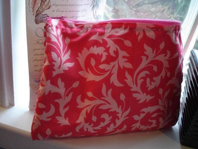 pink scrool zipper pouch