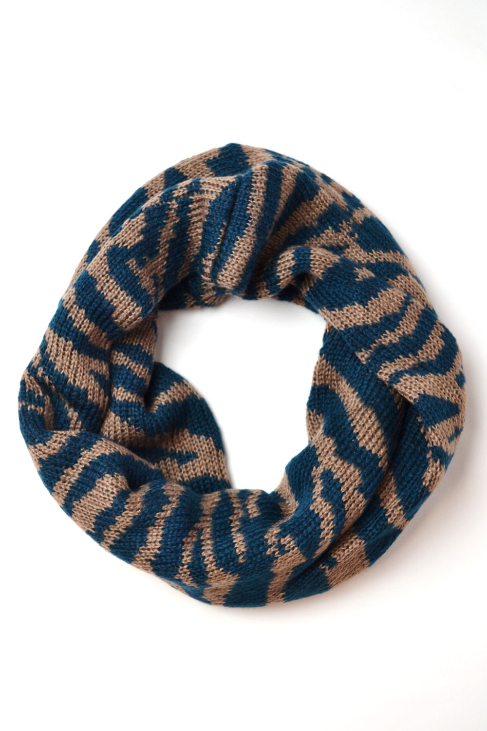 images Accessory Trends: The Snood
