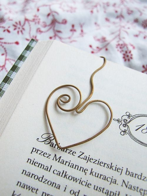 lovely heart bookmark - petite