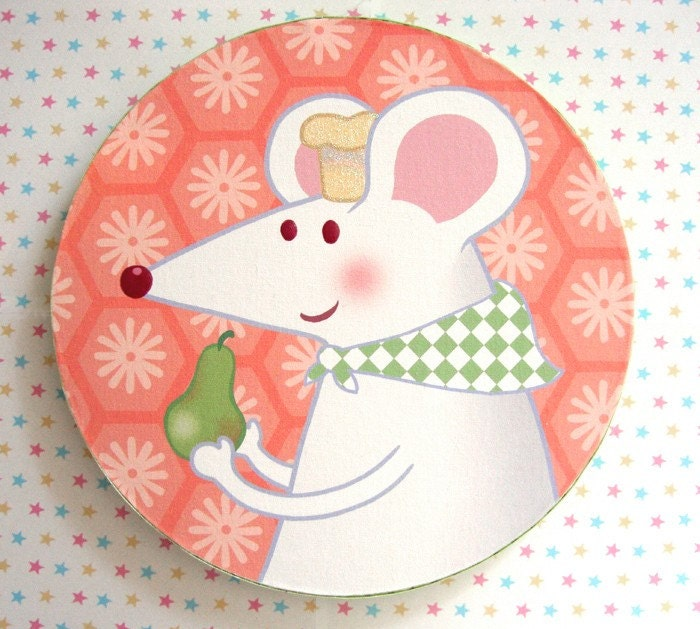 PRINT OF MOUSE ON ROUND CANVAS