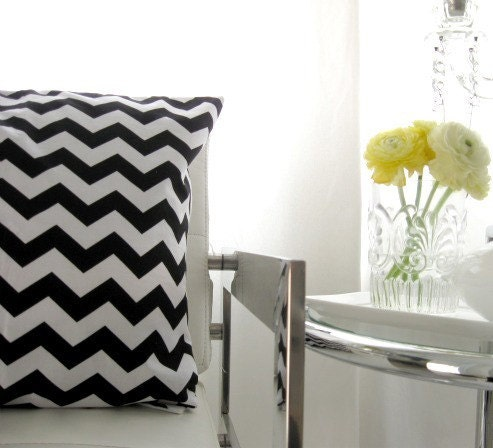 LAST ONE Zig zag black and white pillow cover 16 inch