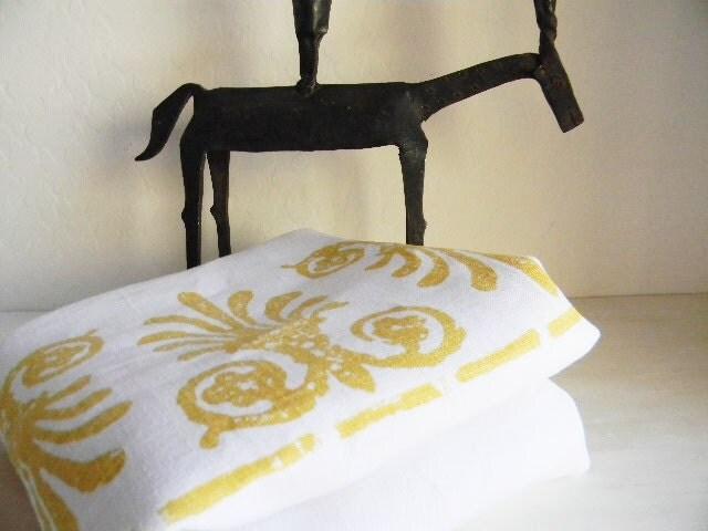 Vera Designer Tablecloth Linen Fleur-de-Lis Golden - French Classic Metropolitan - Signed 1980's - 1RustyRabbit