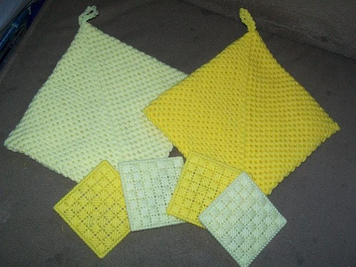 Hot Pad and Coaster Set in Yellows