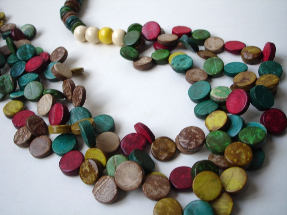 Colorful coconut beads