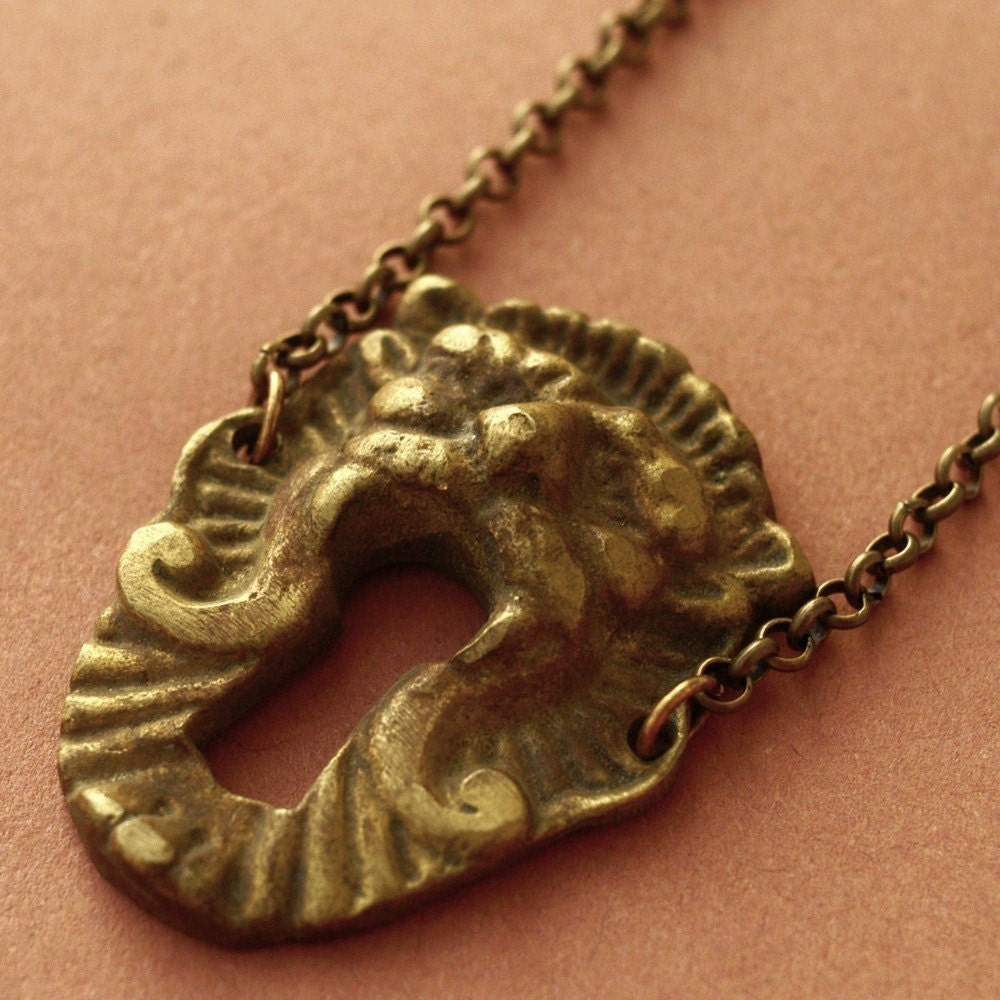 Etsy :: Roaring Lion Antique Keyhole Necklace
