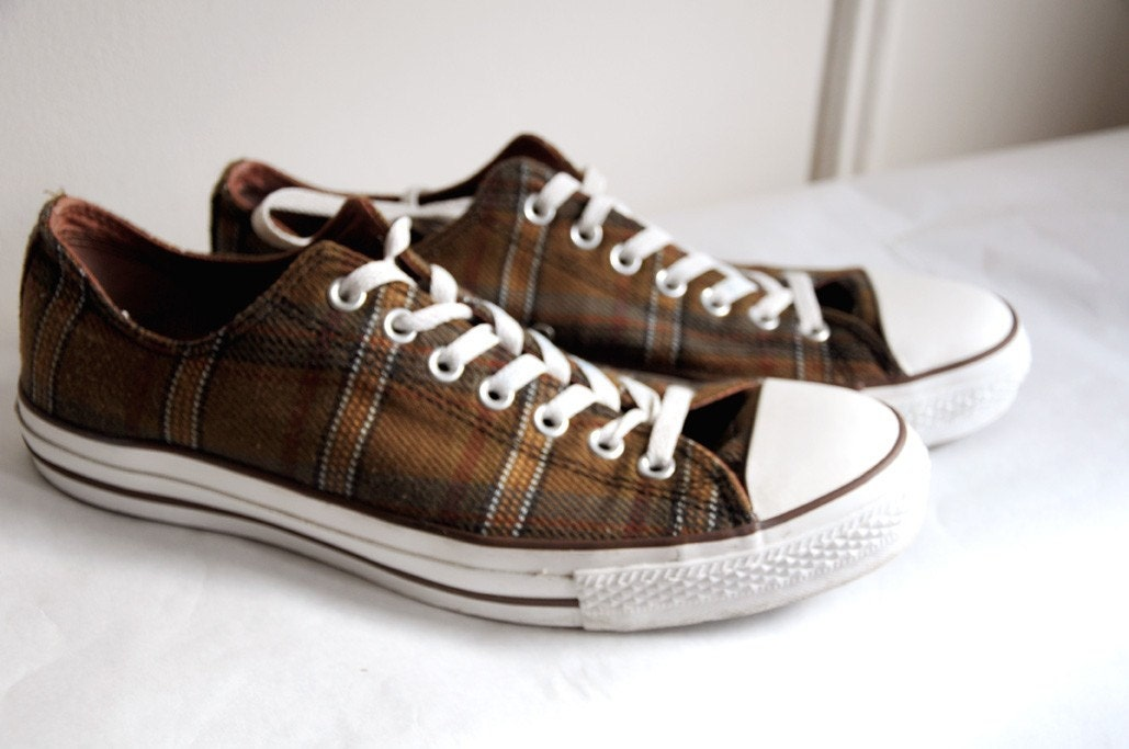 Low Top Plaid Converse Size 11