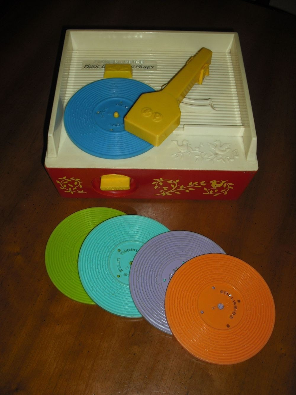 Vintage Fisher Price Music Box/Record Player w/5 org records WORKS