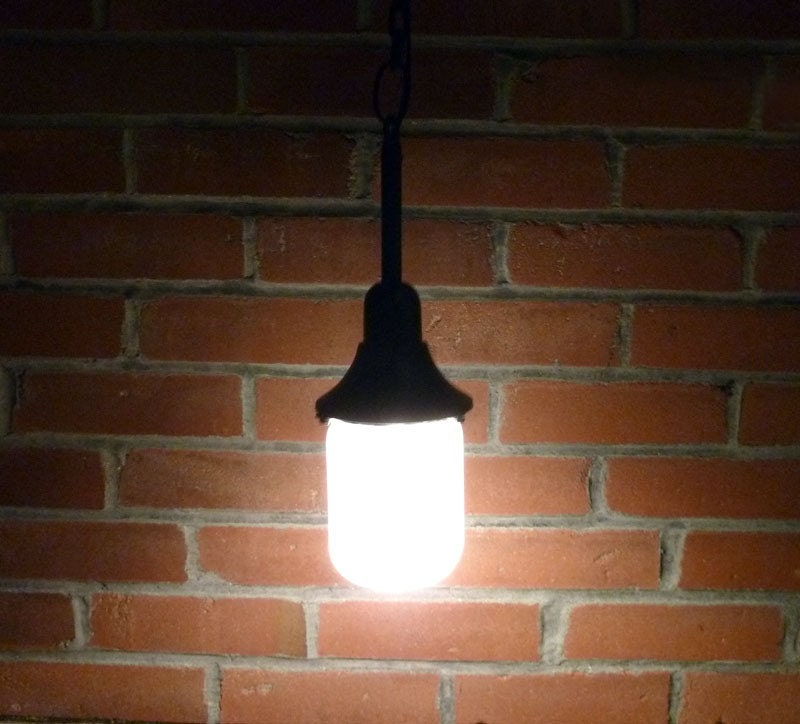 Industrial Black Hanging Lamp On Chain