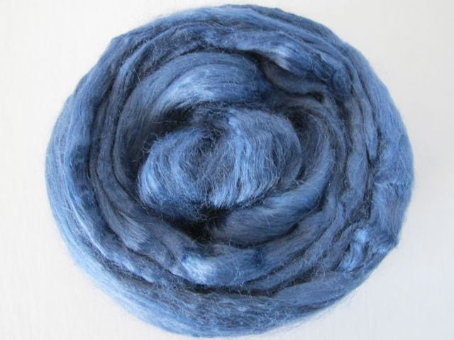 Roving Singles 1oz Night Blue Soy Silk
