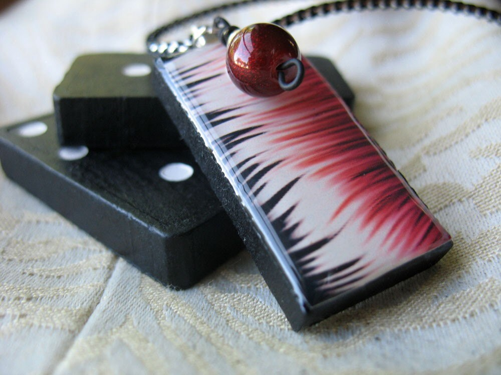 Domino Pendant - Burgundy, white and black