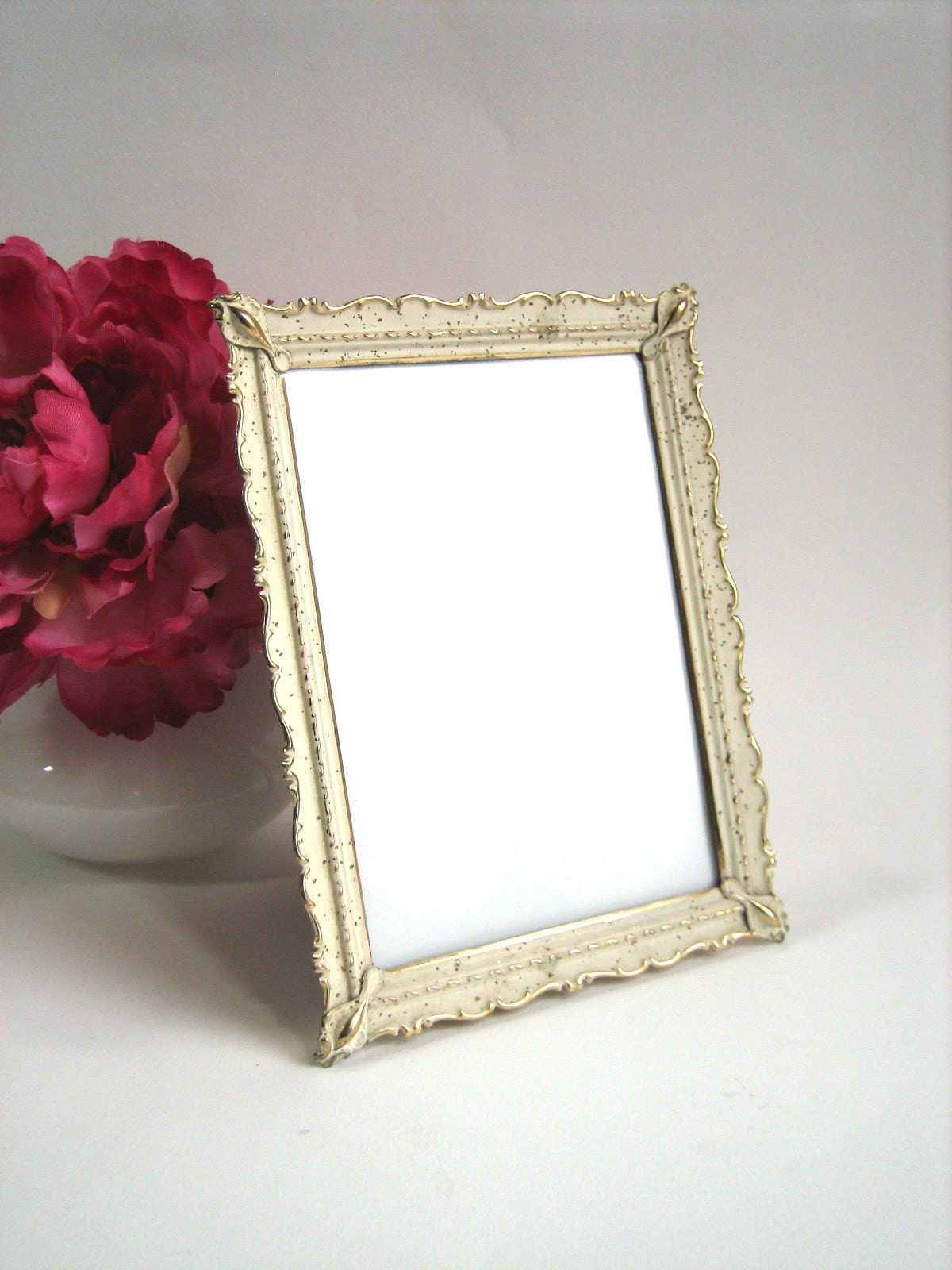 Pretty Gold and Cream Metal Picture Frame