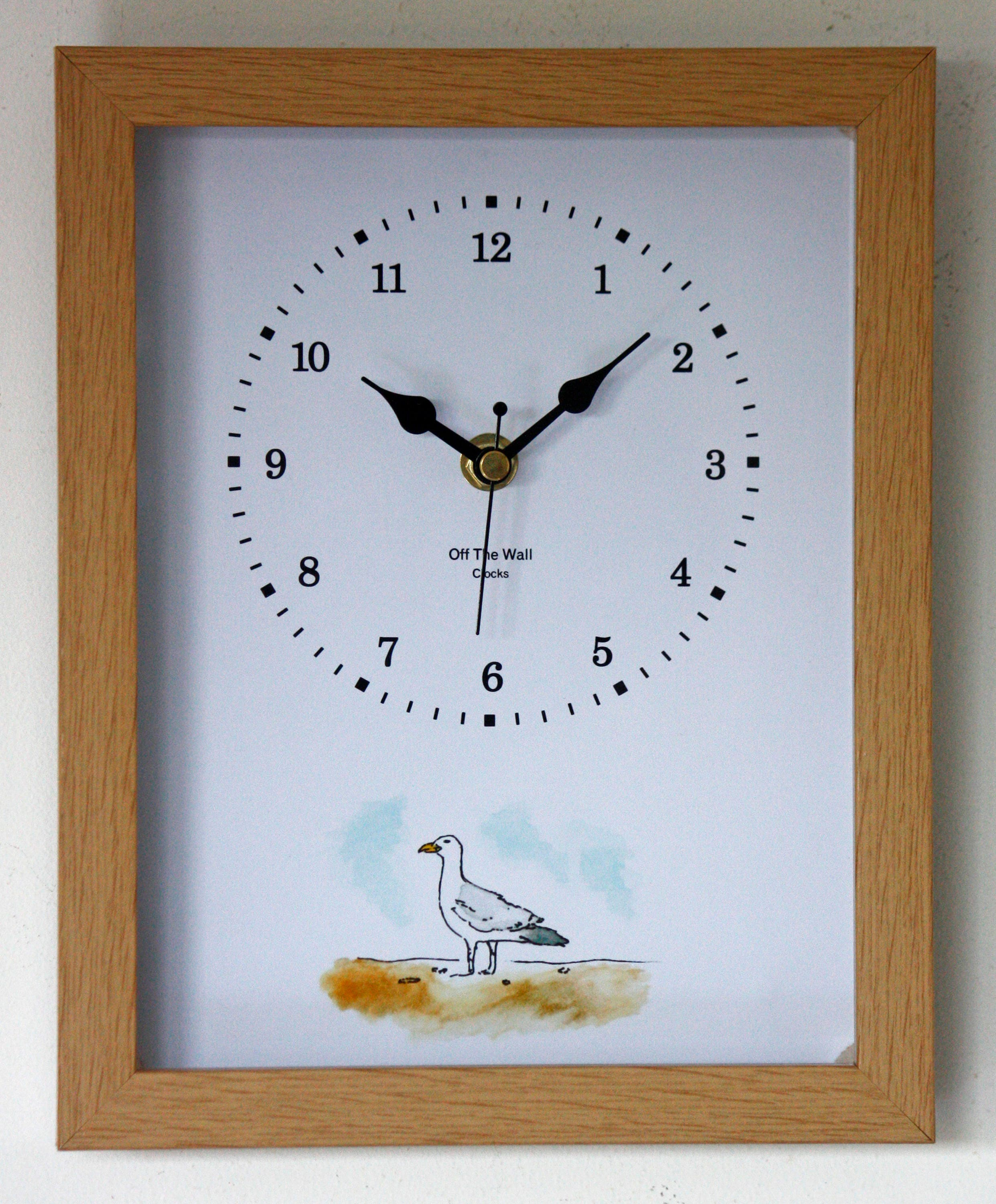 Image of NEW 25cm Seagull Wall Clock Modern Nautical Beach Style Watercolour Painting