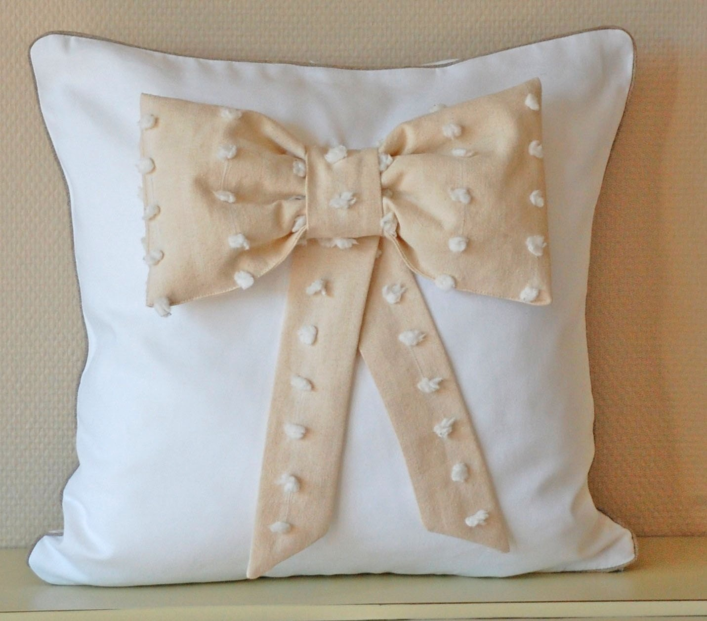 Bow pillow cover