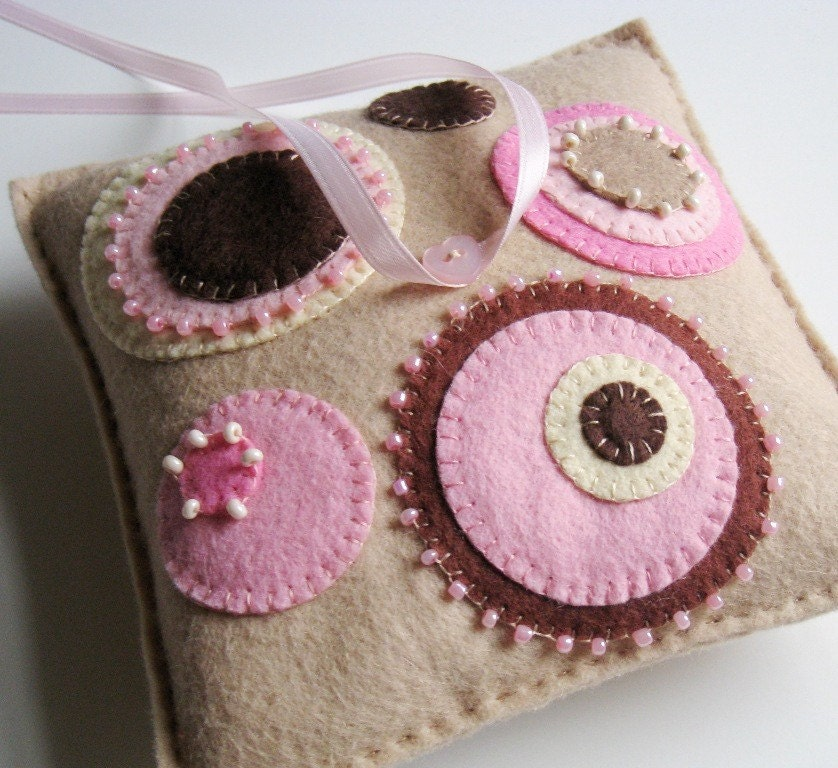 Wool Felt Circles Ring Pillow - Geometric Flower Design in Pink, Ecru and Chocolate Brown