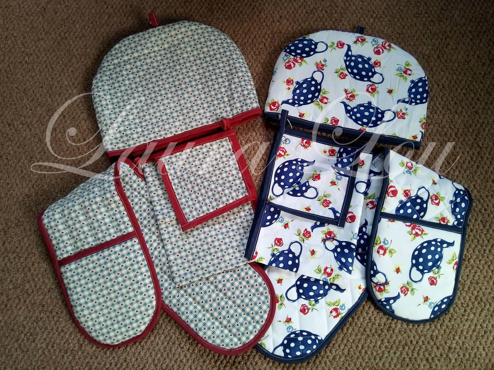 Tea Cosy Oven Gloves and Tea Cloth 3 piece set  WhiteNavy Teapot or BurgundyBlue Heart Check