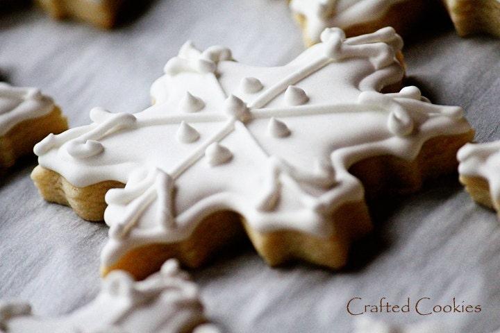 6 Beautiful & Elegant Snowflake Sugar Cookies