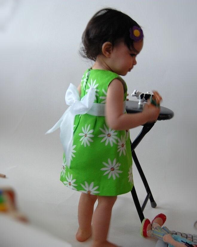 Green Daisy Pique Mini-Dress