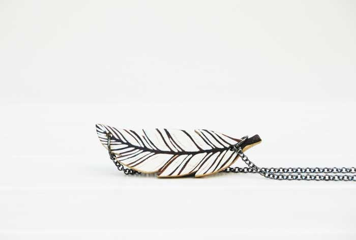 Small Feather Necklace White Feather Red Feather Boho Necklace - NUTAK
