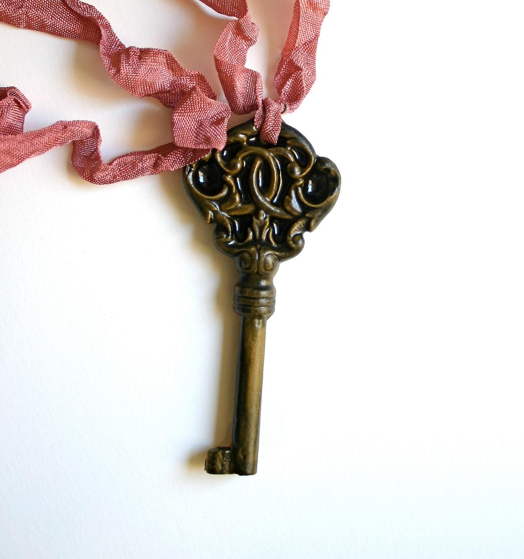 Candy Skeleton Key Ожерелье
