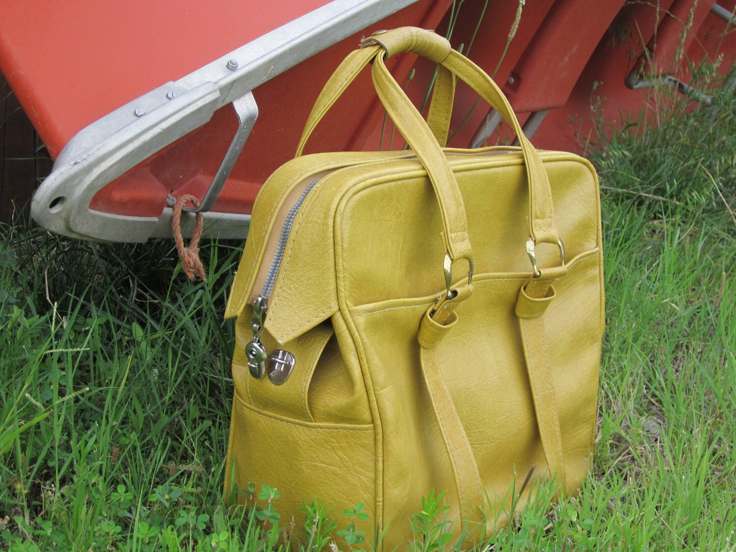 Mustard Yellow Samsonite Messenger / Weekender Travel Bag - 1970's Style