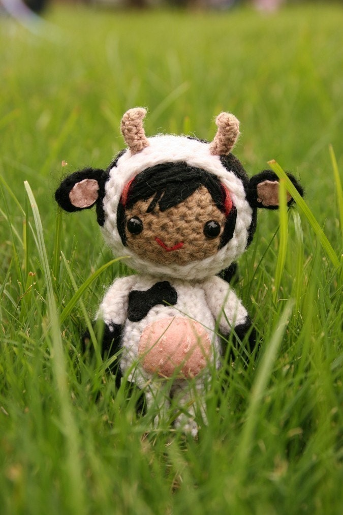 Amigurumi Pattern Little Cows : Items similar to Crochet Pattern- Bess in the cow costume ...