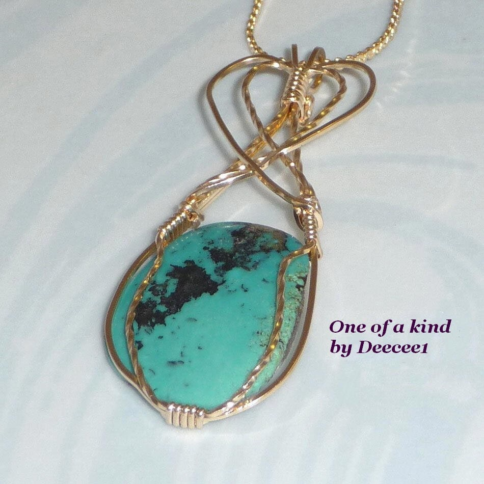 Southwest  sytle Turquoise Wire Wrapped Pendant in Gold