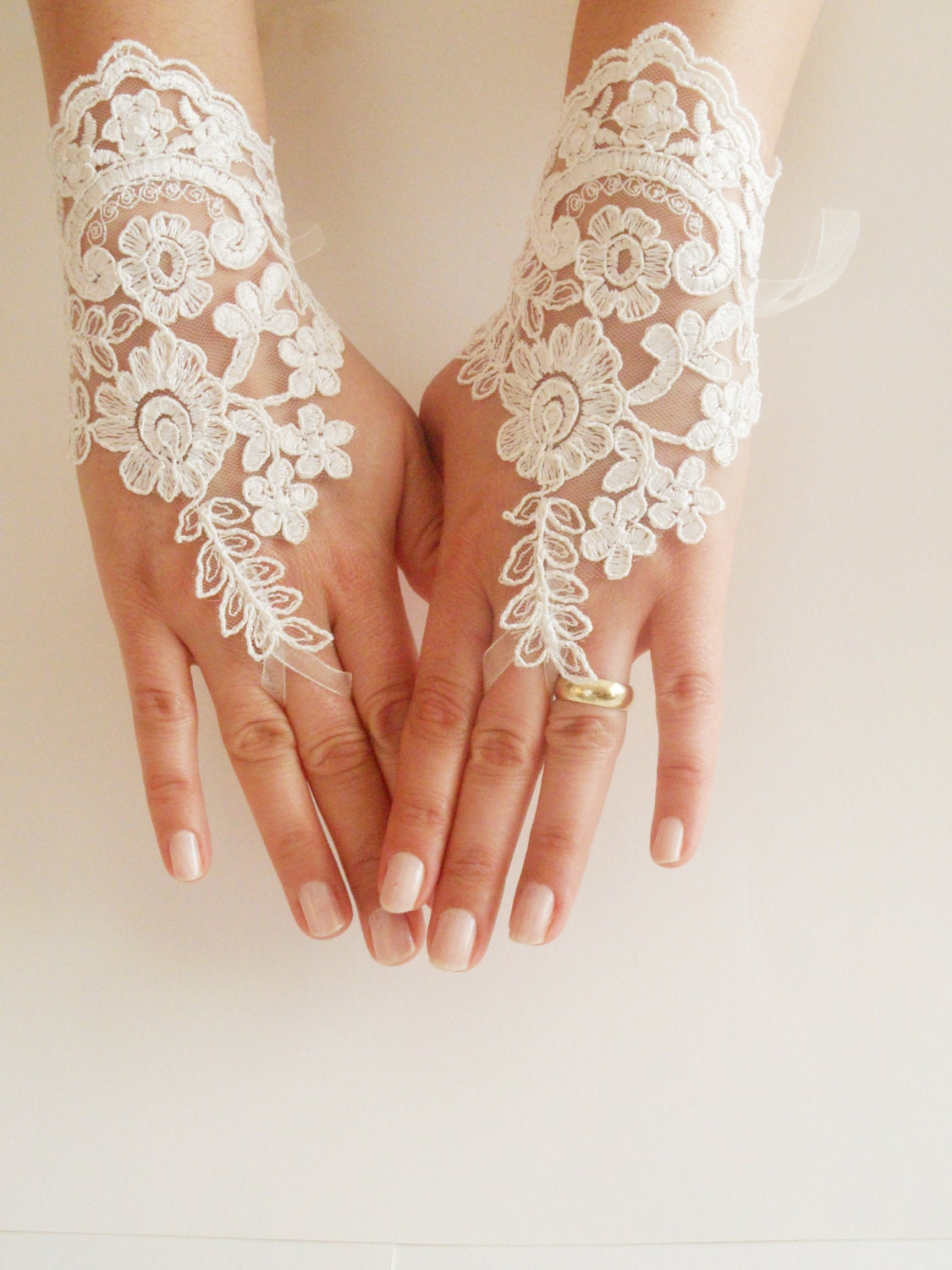 Ivory wedding glove bridal glove ivory lace gloves for Lace glove tattoo