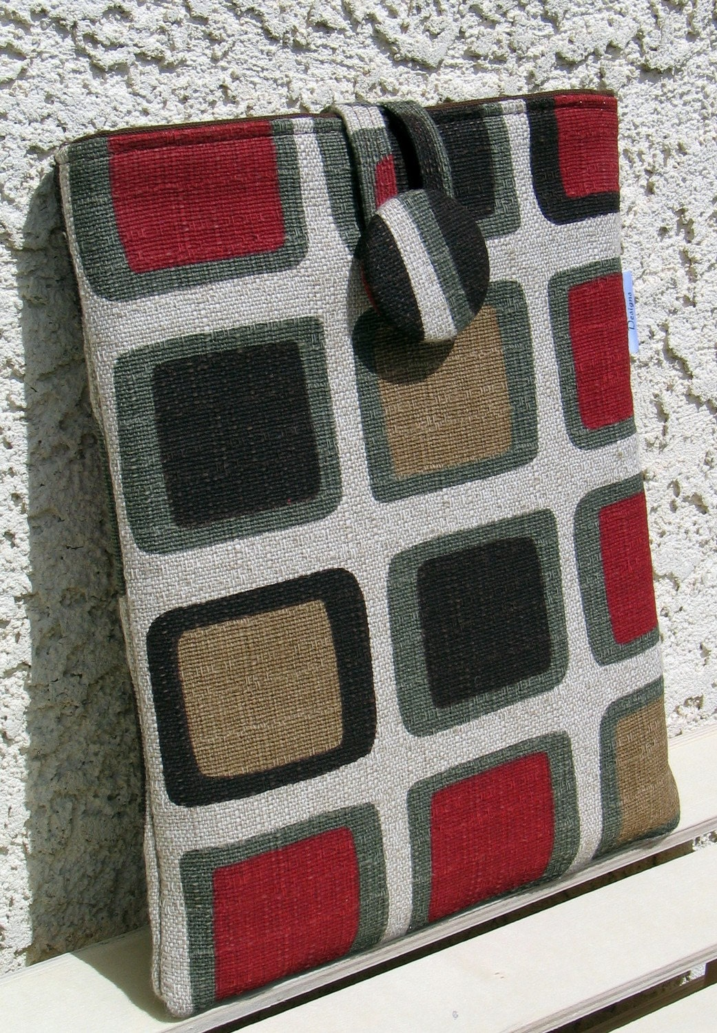 iPad/ Netbook Sleeve in Retro Print