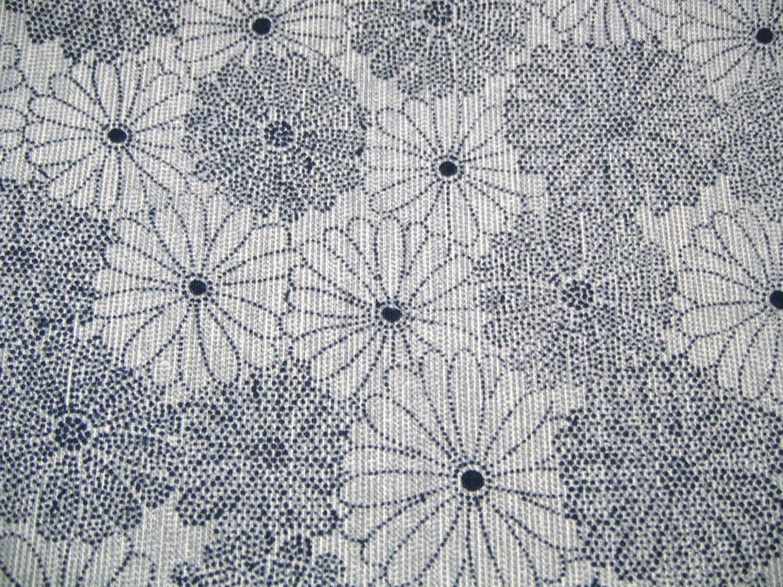 Blue kiku Vintage Japanese cotton kimono fabric - CosimaOrimono