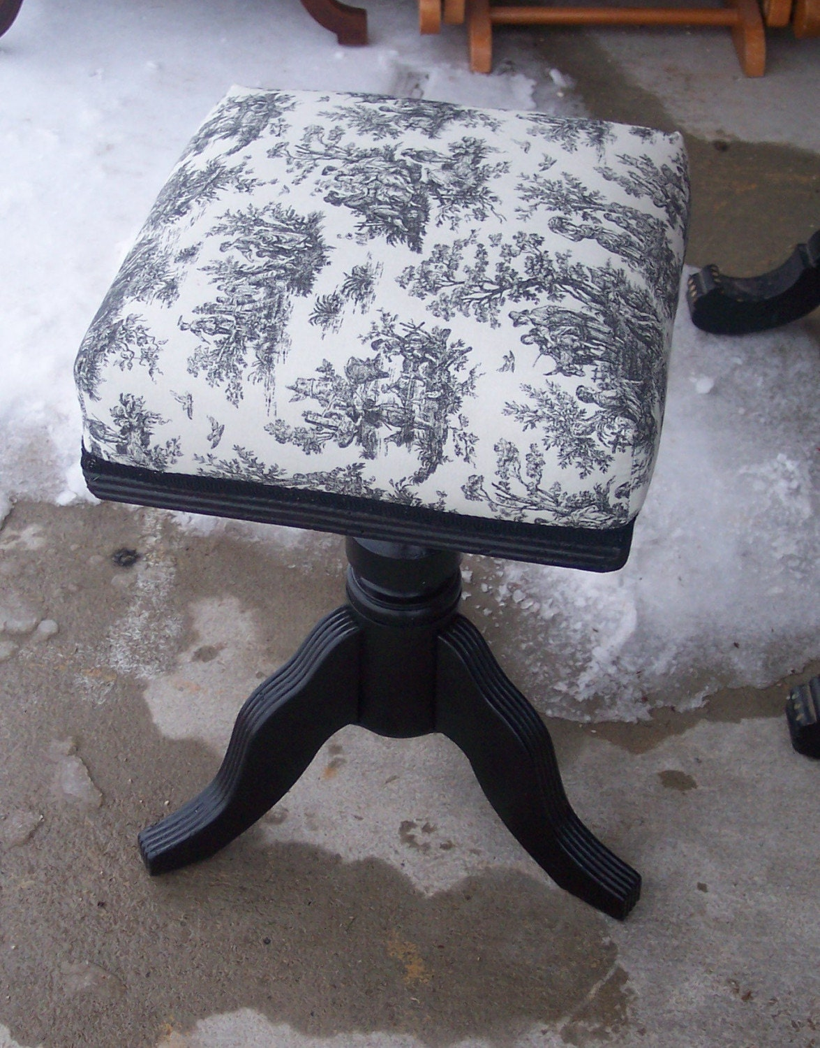 Black- White Toille Organ Stool/Piano Stool