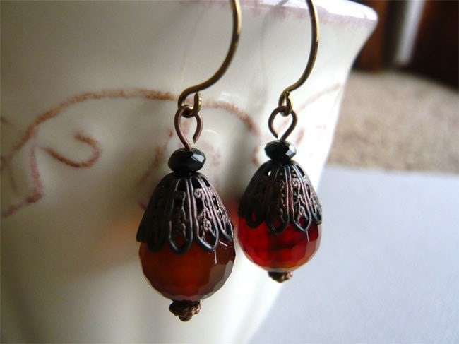 Faceted Agate Earrings - Agate Stones -Dangle -  Vintage Elegance - 3pearls