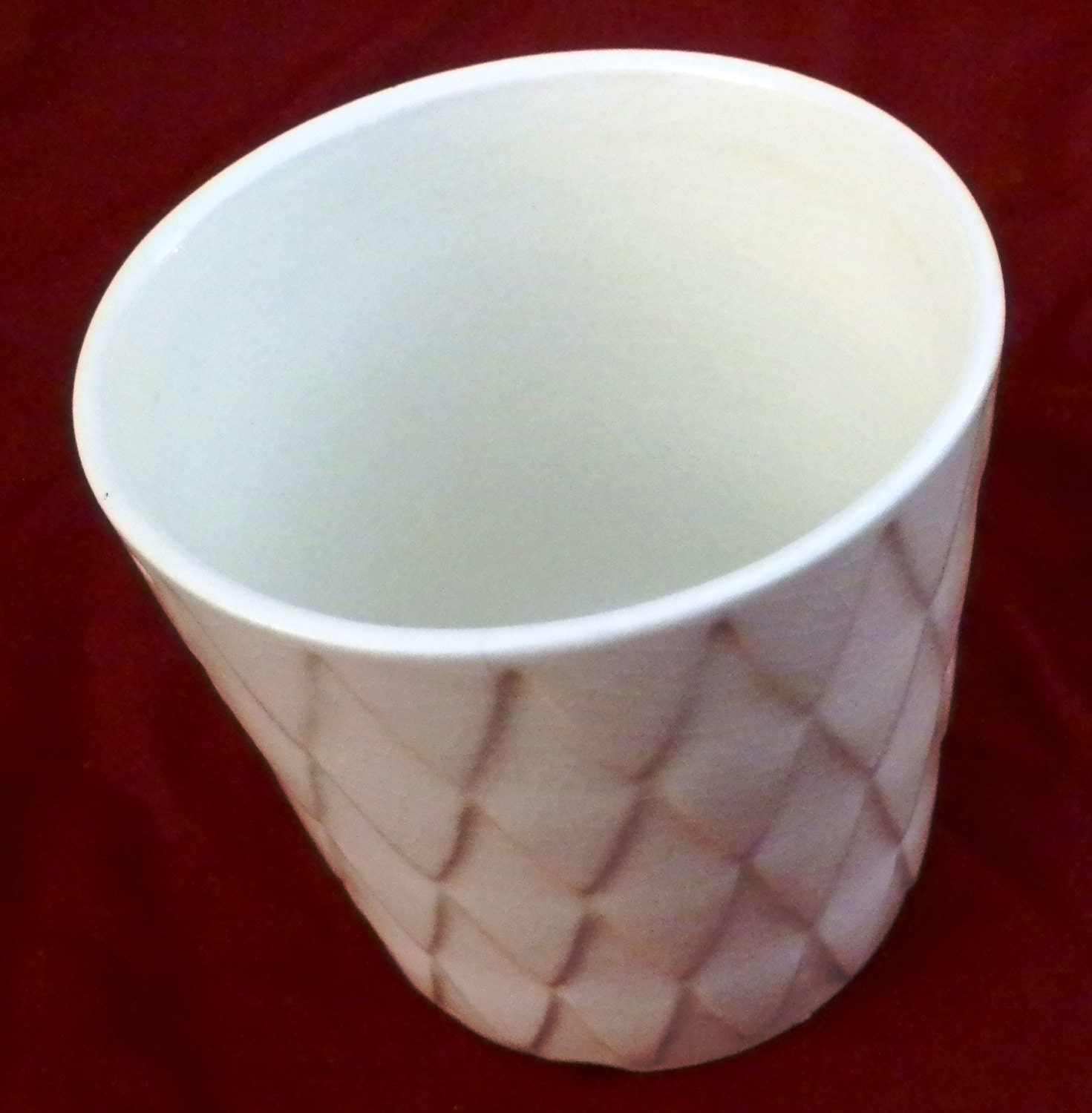 Vintage USA Pottery Planter, White with Diamond Pattern - RenewedFinds