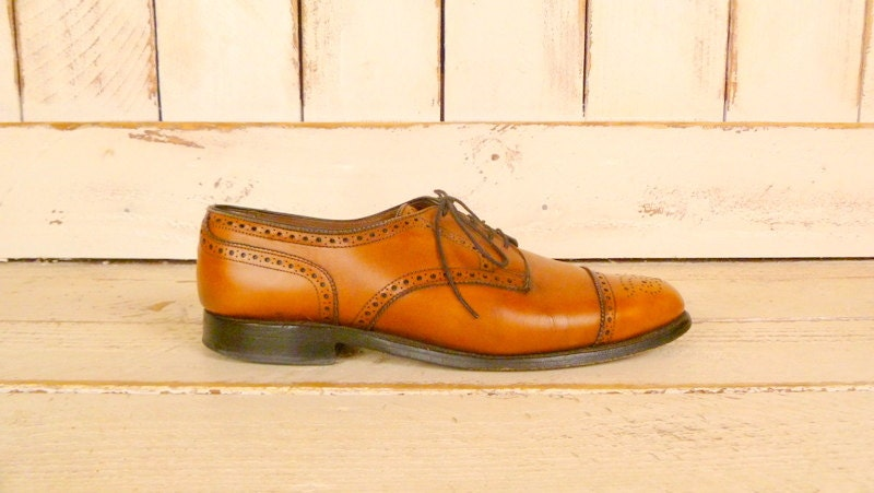 Mens butterscotch leather wingtip v intage oxfords/brown leather shoes