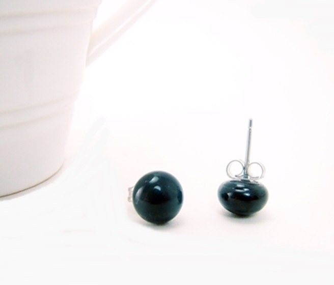 Earrings studs . Black Gloss Fused Glass Earrings Studs - envidrio