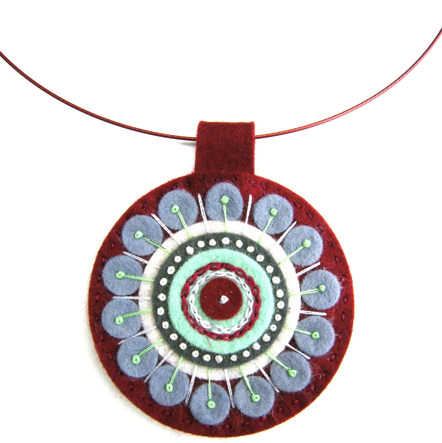 FELT PENDANT WITH FREEFORM EMBROIDERY ON CO-ORDINATING WIRE NECKLACE