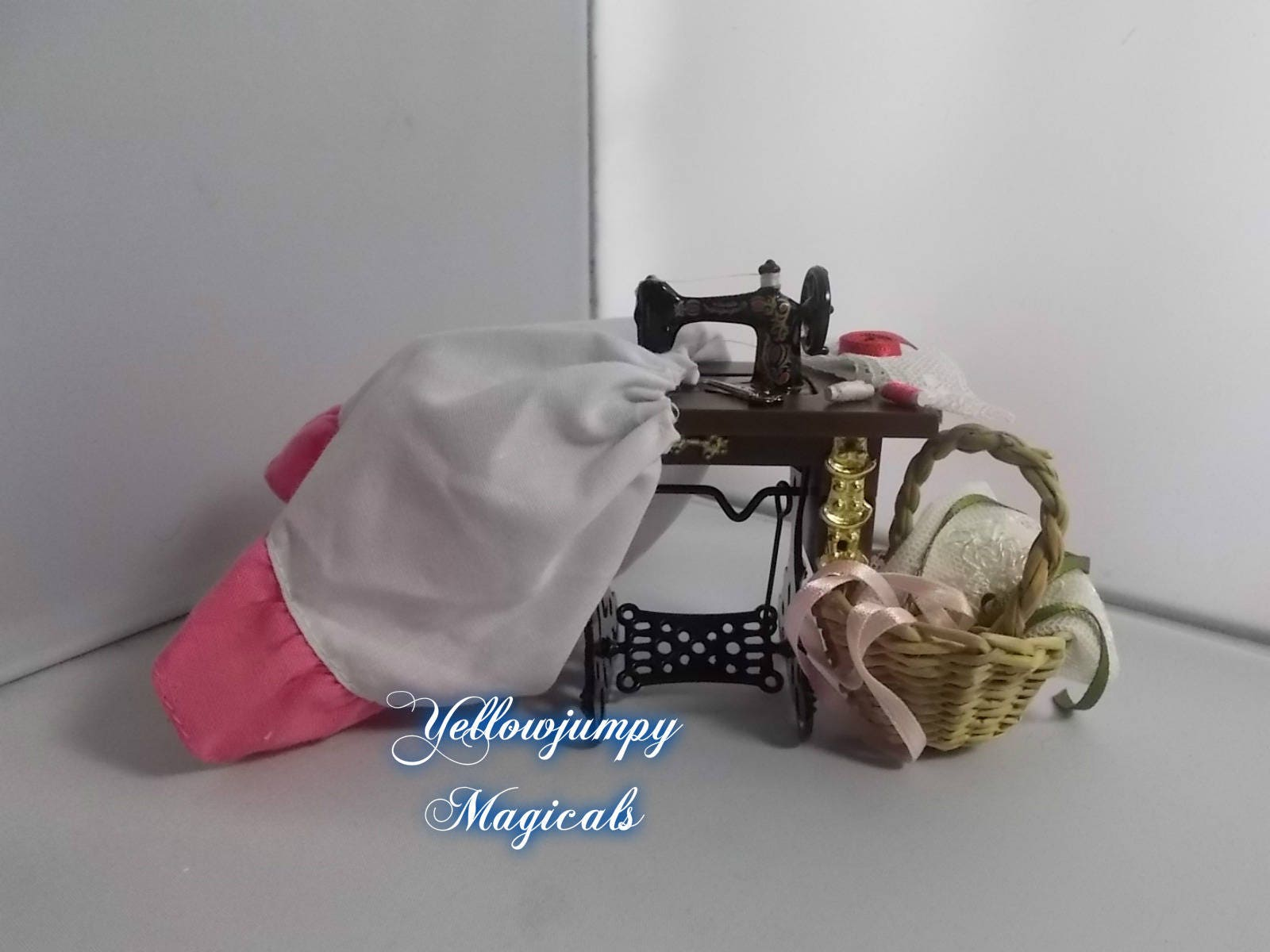 12th Miniature dollhouse sewing machine with accessories