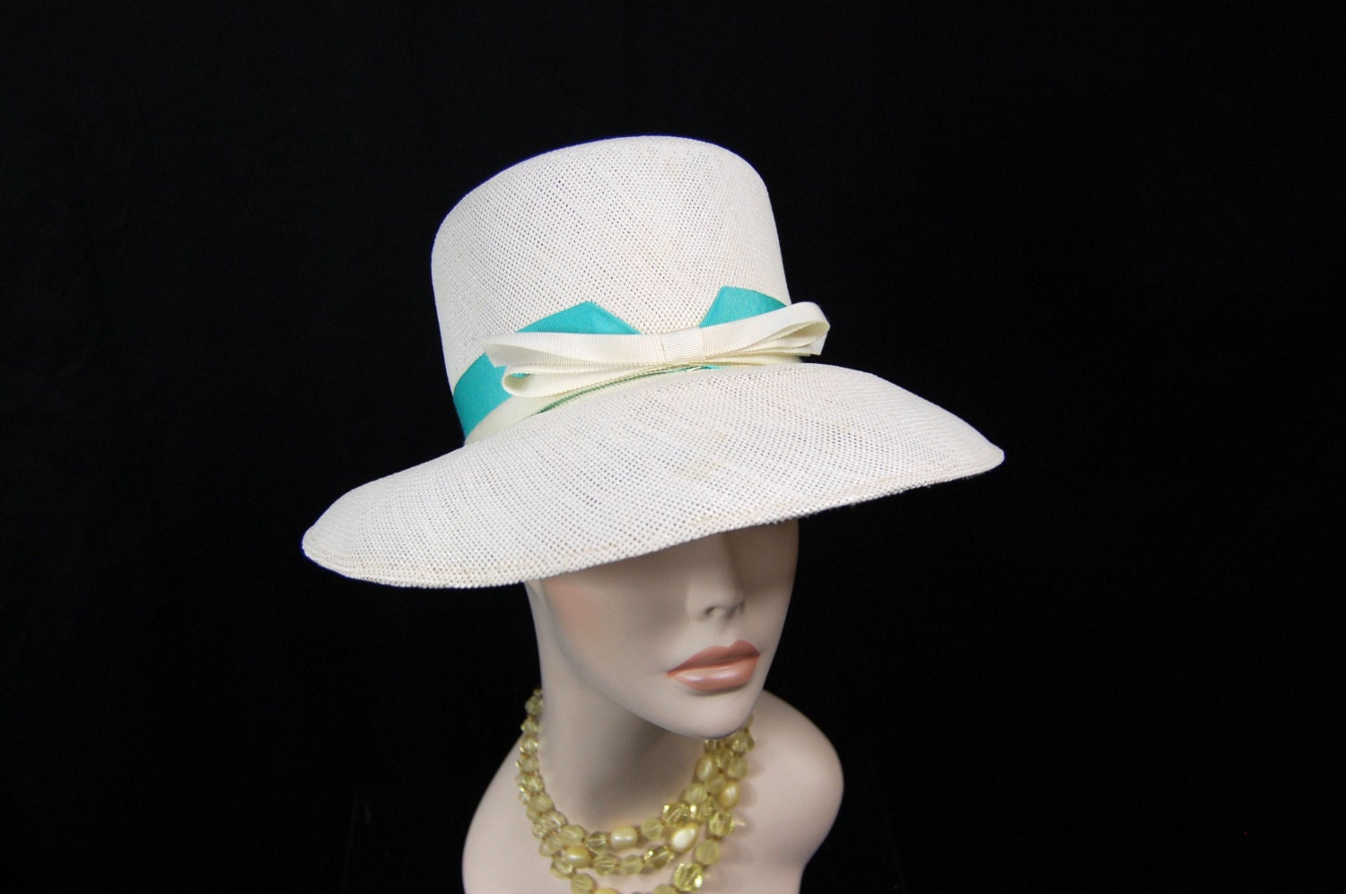 1960s White Straw Hat - White and aqua Summer Hat - FrocksnFrillsVintage