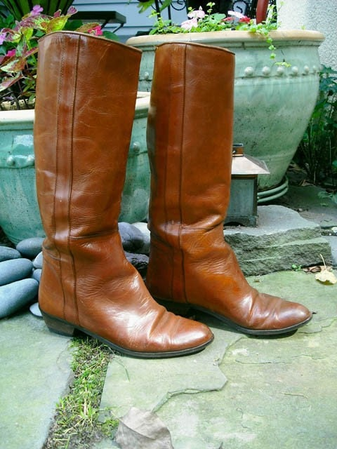 The Cinnamon Boot- vintage brown Italian leather campus equestrian riding boot size 7.5