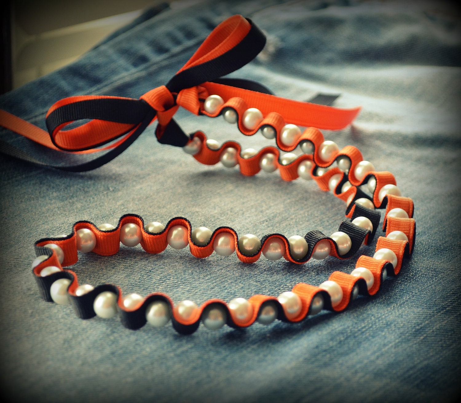 Lady Super Fan Collection - Ribbon and Pearl Necklace - Team Colors - Team Spirit - in Black and Tangerine