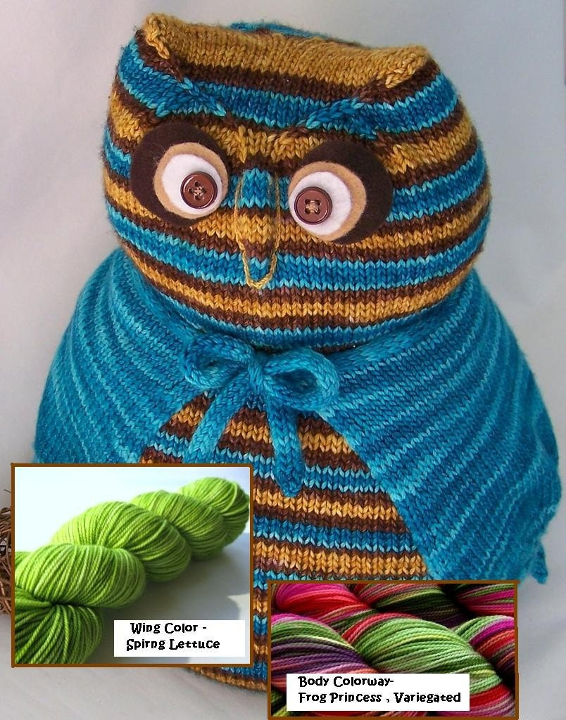 NICE HOOTERS KIT - Knitted Toy KIT - Includes Yarn , 2 colors (Body and Wings), Felt , Buttons for Eyes and Stuffing