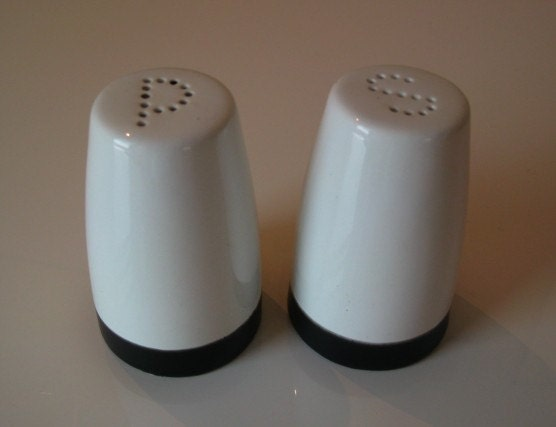 Dipped Salt and Pepper Shaker Set - Black