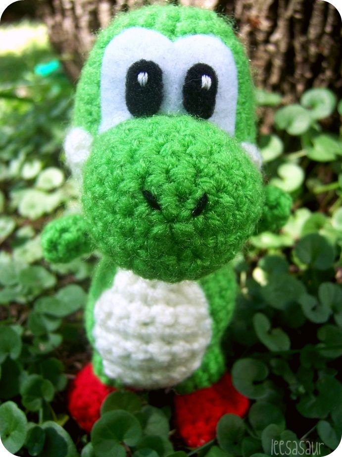 Mini Yoshi Amigurumi : Marshalls, Patrones amigurumi and Juguetes on Pinterest