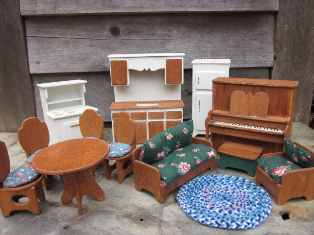 Vintage 1990 Dollhouse Lafayette Duracraft By