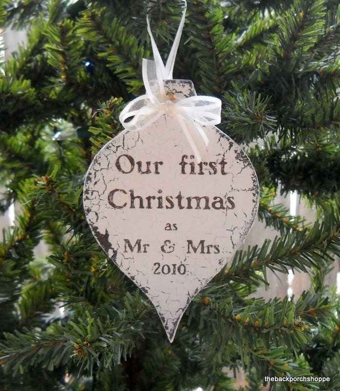 Mr and Mrs CHRISTMAS ORNAMENT Shabby Cottage 3 1/4 x 5